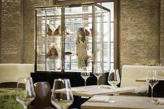 Gå Nord in #Antwerpen www.newplacestobe.com Antwerp Belgium, Wonderful Places, Oversized Mirror, City, Furniture, Lust, Home Decor, Restaurants, Dinners