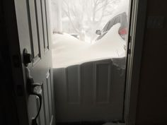 "Twitter ""Just got this from a friend in #Marblehead, MA #Juno #blizzardof2015 pic.twitter.com/FbRBneX0Lp"