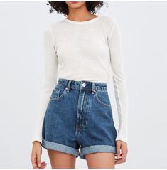Low Jeans, Rolled Up Jeans, Mom Jeans Shorts, Knit Shorts, Jeans Dress, Girls Jeans, Jean Shorts, Boyfriend Shorts Outfit, Levis Jeans