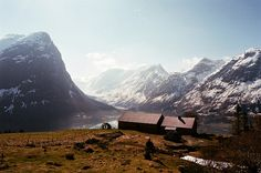 Perfect depiction of Norway. Want to stay in a place like this with my hubby one day.