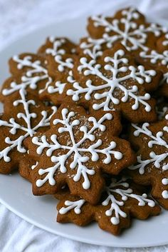 Chewy Gingerbread Cookies  Ingredients:    4 cups all-purpose flour    1 tsp. salt    1½ tsp. baking powder    ½ tsp. baking soda    1 tsp. ground cinnamon    1½ tsp. ground cloves    2 tsp. ground ginger    1 tsp. ground nutmeg    16 tbsp. unsalted butter, at room temperature    1 cup sugar    1 cup molasses    1 large egg  bake 350 10 min