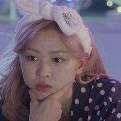 Fandom, Korean Princess, Homo, Girl Photo Shoots, Kpop Aesthetic, Aesthetic Girl, I Love Girls, Meme Faces, Girl Wallpaper