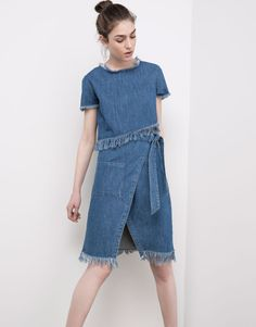 Pull&Bear - damen - news - jeansrock in wickeloptik mit fransensaum - blau - 05398307-V2016