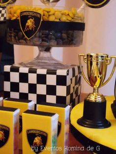 Eventos Romina D's Birthday / Lamborghini Party - Cars - Photo Gallery at Catch My Party Car Themed Parties, Cars Birthday Parties, Lamborghini, 14th Birthday Party Ideas, 7th Birthday, Birthday Cakes, Ferrari Party, Disney Cars Party, Race Car Birthday