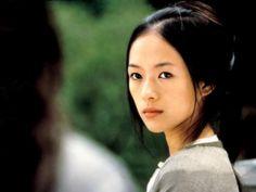 チャン・ツィイー(チャン・ツーイー、章子怡、拼音: Zhāng Zǐyí , 1979年2月9日 - )は、中国の女優。身長164cm。体重49kg。  中国では、ヴィッキー・チャオ、シュー・ジンレイ、ジョウ・シュンとともに、四小名旦として知られている。1996年にテレビドラマ『星に願いを〜星星点灯』(放送時は『蛍火』)の主役で女優としてデビュー。1999年にチャン・イーモウ監督の映画『初恋のきた道』で語り手である青年の母の少女時代(この映画の主人公)を演じ、映画初出演を果たす。この作品が第50回ベルリン国際映画祭で銀熊賞を受賞したことから、脚光を浴びるようになる。  アカデミー外国語映画賞を受賞した『グリーン・デスティニー』、ジャッキー・チェンやクリス・タッカーと共演した映画『ラッシュアワー2』でアジア以外の国々でも広く知られるようになり、国際的な知名度を得るようになる。  2005年にロブ・マーシャル監督の映画『SAYURI』で主演を務め、ゴールデングローブ賞主演女優賞にノミネートされた。翌年の第59回カンヌ国際映画祭では審査員を務めた。