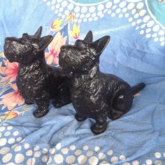 2 ANTIQUE HUBLEY LARGE CAST IRON DOG DOORSTOP SCOTTISH TERRIER STATUE BOOKENDS  #AmericanDirectoire #hubley