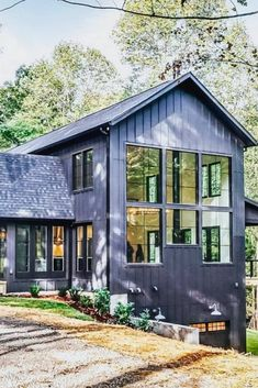 You can be 100 sure that metal building homes will hold any weather condition. These metal frame homes are super strong, long life time and eye-catching too. Metal Building Homes, Metal Homes, Building A House, Modern Farmhouse Exterior, Farmhouse Design, White Farmhouse, Plan Chalet, Barn House Plans, Metal Buildings