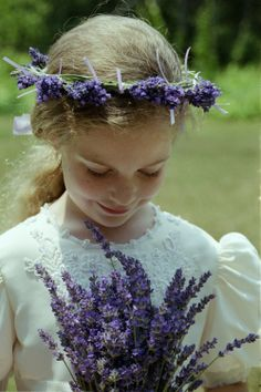 Fresh Lavender Bouquets: Offered from May 20th to July 4. $30.00 per big bunch, via Etsy.