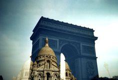 A city guide to Paris through Lomo Eyes.