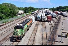 RailPictures.Net Photo: BNSF 1673 Burlington Northern Santa Fe EMD SD40-2 at Beaumont, Texas by Ryan Nicolay