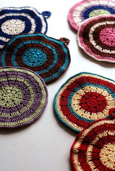 tangled happy: Modern Vintage Potholder. click on image for tutorials and other knitting projects.