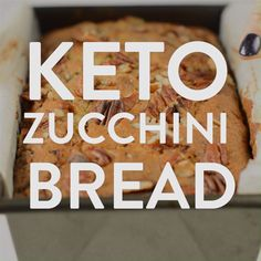 This keto zucchini bread is an easy moist almond flour low carb sweet bread with grated zucchini, walnuts, pecan and delicious autumn spice flavors. Zucchini Keto Recipe, Gluten Free Zucchini Bread, Zucchini Bread Recipes, Plats Healthy, Comida Keto, Healthy Bread Recipes, Tasty Videos, Low Carb Bread, Keto Bread