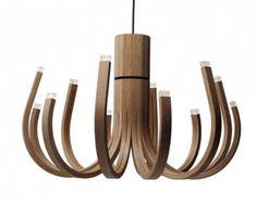 lustre design en bois de chêne à LED- June via Nikari par Mikko Paakkanen Wooden Chandelier, Pendant Chandelier, Chandelier Lighting, Room Lights, Ceiling Lights, Ceiling Lamp, Lustre Led, Lustre Design, Architecture Design