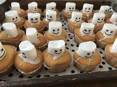 DJ Marshmello cupcakes - traktatie -Marshmallow - Fortnite School Birthday Treats, 6th Birthday Parties, Dad Birthday, Cookie Images, Cupcake Images, Camo Cookies, Cake Pops Image, Marshmello Wallpapers, Dj Party