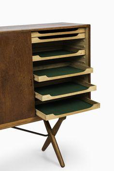 Hans Wegner sideboard in teak at Studio Schalling