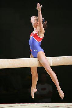 Gymnastics Images, Amazing Gymnastics, Sport Gymnastics, Artistic Gymnastics, Gymnastics Flexibility, Gymnastics Photography, Female Gymnast, Native American Women, Fit Chicks
