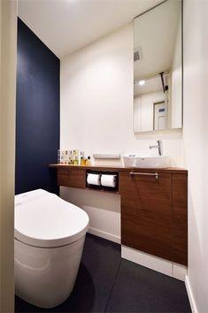 トイレの様子 Corner Sink Bathroom, Laundry In Bathroom, Toilet Design, Bathroom Toilets, House Plans, Interior, Home Decor, Powder Room, Houses