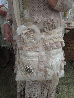 Diy Bags Purses, Purses And Handbags, Handmade Handbags, Handmade Bags, Lace Purse, Shabby Chic Crafts, Burlap Lace, Boho Bags, Fabric Bags