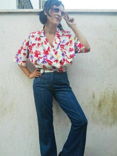 """Vintage outfit <3 Floral shirt 80s & denim trousers """"Vivienne Westwood"""" , Shirt €15,00 / trousers €25,00  #ootd #vintageshirt #floralshirt #shirt #denimtrousers #denim #jeans #VivienneWestwood #vintageclothes #vintageshop"""