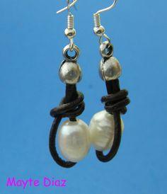 img_pendientes-cuero-y-perlas.jpg