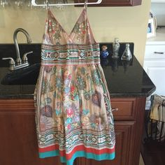 Great sun dress!! Beautiful sundress with spaghetti straps you can adjust, zipper in back!! Rain forest Dresses Midi
