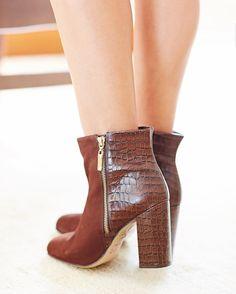 Mix de texturas {amoooo croco} e salto master confortável da minha bota @lojapaulatorres  by lalanoleto