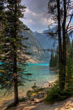 Moraine Lake, Valley of the Ten Peaks, Banff National Park, Alberta, Canada
