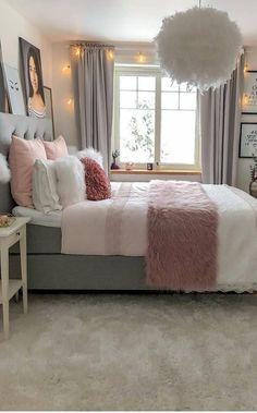 Girl Room Decor Ideas - How can a teenage girl decorate a small bedroom? Girl Room Decor Ideas - How do you decorate a small bedroom? Modern Bedroom Decor, Stylish Bedroom, Room Ideas Bedroom, Small Room Bedroom, Bedroom Designs, Bedroom Furniture, Master Bedroom, Ikea Bedroom, Girls Bedroom