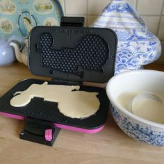 tractor waffle maker... i need it!
