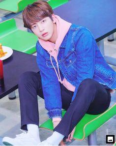 TXT dévoile de premières photos teasers pour ses débuts – K-GEN Jhope, Taehyung, Kai, Twice Chaeyoung, Steve Aoki, Got7 Jackson, The Dream, Mamamoo, K Idols