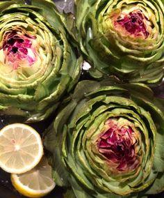 Vegane Tomate hat hier eines meiner liebsten To-Cook-Essen gemacht: frische Artischocken!  http://veganetomate.wordpress.com/2014/11/26/vegan-wednesday-118/