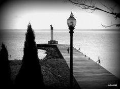 Walking the Pier - Old Oakville Oakville Ontario, Niagara Falls, Toronto, Photographs, Walking, Photos, Photograph, Walks, Fotografie