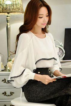 Sweet Short Blouse Women Korean Chic Lotus Leaf Edge V-neck Shirt New Lantern Sleeve Spring Shirts Girls Holiday Crop Top White Women's Clothing