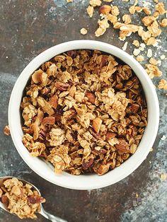Vegan Granola Recipe via @showmetheyummy