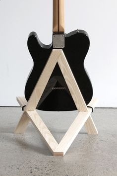 Stol electric guitar stand in solid ash More