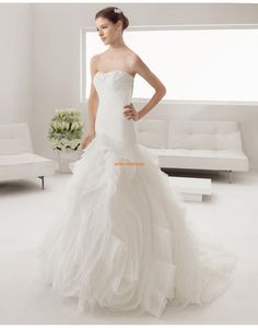 Trombita/Hableány Pliszé Fűzős Menyasszonyi ruhák 2015
