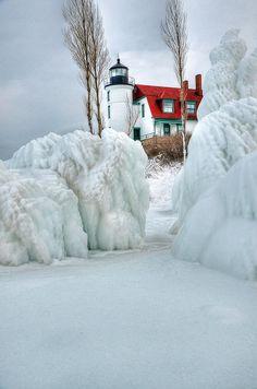 #Lighthouse - Punto #Faro Betsie - Frankfort, #Michigan   -   http://dennisharper.lnf.com/