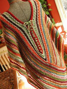 need to crochet well enough to make something like this poncho with handspun yarn Knitted Poncho, Crochet Cardigan, Knit Or Crochet, Knitted Shawls, Crochet Scarves, Crochet Clothes, Crochet Stitches, Crochet Patterns, Crochet Vests