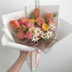 Beautiful Bouquet Of Flowers, Flowers Nature, My Flower, Beautiful Flowers, Wedding Flowers, Luxury Flowers, Flower Aesthetic, Planting Flowers, Floral Arrangements