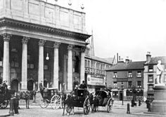 39 pictures showing the changes to Theatre Square, Nottingham. Old Pictures, Old Photos, Nottingham Pubs, Empire Music, Nottingham Trent University, Air Raid, Good Old Times, Treasure Island, Westminster