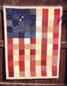 American Flag Quilt Tutorial | Show off your American pride with this patchwork project!
