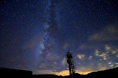 https://flic.kr/p/ypHLbq | 合歡山主峰銀河 | Milk Way at Mt. Hehuan Main Peak 2015.9.9 拍攝,當天傍晚雲霧繚繞山頭,以為沒有銀河可拍,還好當晚在合歡山主峰露營等待,最終於拍到這銀河畫面。