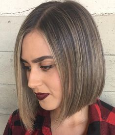 Discreet Brown Bob for Fine Hair