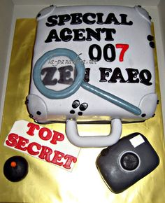 La Panadera: Spy Cake Malachi is turning 7 and wants a spy Birthday. This would be fun with the 007...and no weapons on this cake.