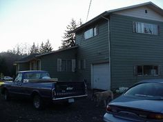 the house I grew up in........looks like a dump now!