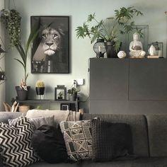 Groene inspiratie! | Homeofsha Home Living Room, Living Room Designs, Living Room Decor, Bedroom Color Schemes, Bedroom Colors, Chill Room, Piece A Vivre, Interior Decorating, Interior Design