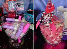 monster high candy buffet   Candy Bar Primera Comunión Paula   Candybar / Mesas dulces de ...