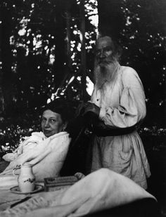 Lev Tolstoj and his wife Sofia Andreevna.
