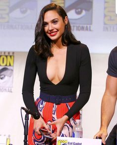 Gal Gadot The Best Actress And Celebrity - Sweety Actress Beautiful Celebrities, Beautiful Actresses, Gorgeous Women, Hollywood Celebrities, Hollywood Actresses, Gal Gadot Images, Gal Gardot, Gal Gadot Wonder Woman, Actrices Hollywood