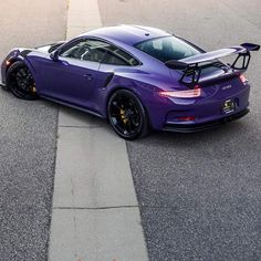 Porsche 991 RS painted in Ultraviolet Purple Photo taken by: on… Ferdinand Porsche, Porsche Sports Car, Porsche Cars, Ferrari, Maserati, Bugatti, Supercars, Porsche 991 Gt3 Rs, Porsche Modelos